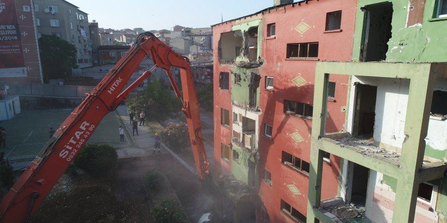 """Bakan Özhaseki: """"Deprem olunca kader diyoruz, emin olun değil"""""""