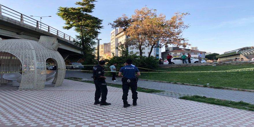 Kavgayı ayıran 2 kişi silahla yaralandı