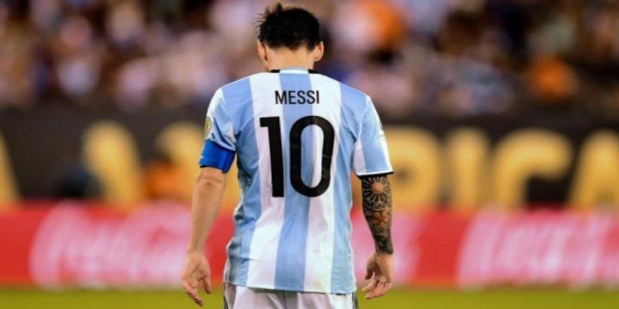 Lionel Messi'den emeklilik açıklaması