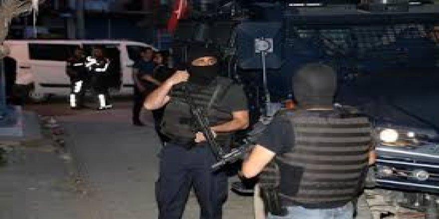 Silahlı kavgada yaralanan 1 çocuk öldü