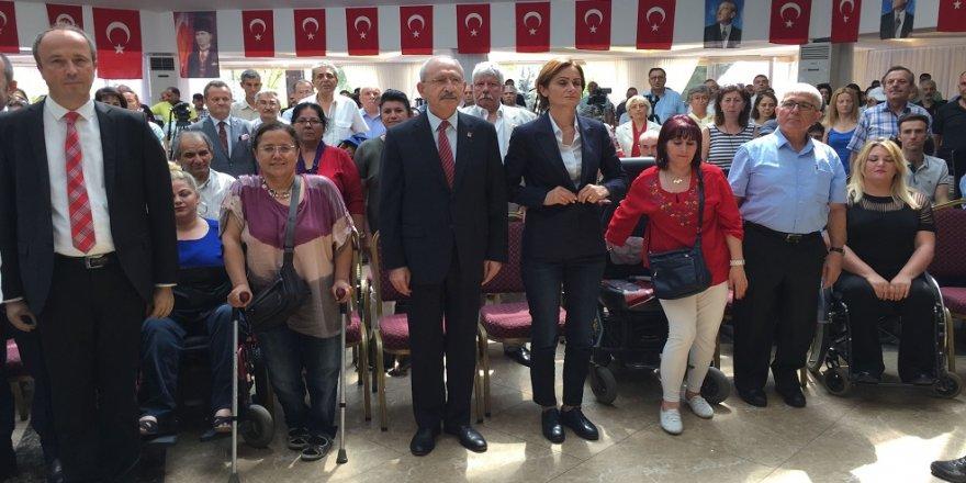 Kılıçdaroğlu, engellilerle bir araya geldi