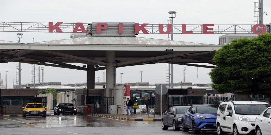Yabancı plakalı şirket araçlarının yurtta kalış süresi uzatıldı