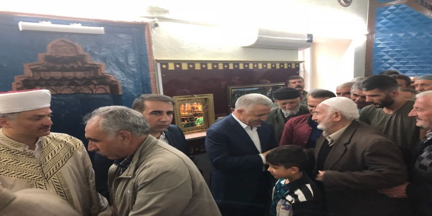 Bakan Ahmet Arslan, baba ocağında bayramlaştı