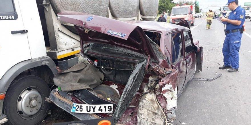 Kamyon 6 aracı paramparça etti