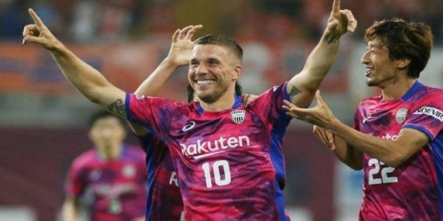 Podolski, Galatasaray'a haber yolladı!