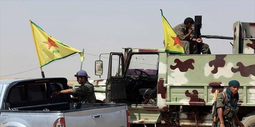 YPG/PKK Münbiç'te aileleri bölüyor
