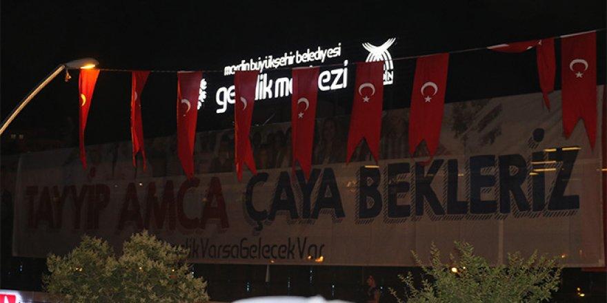 Erdoğan, o pankarta kayıtsız kalmadı