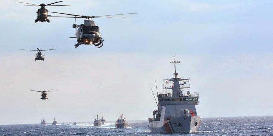 Türk donanması gövde gösterisi yaptı