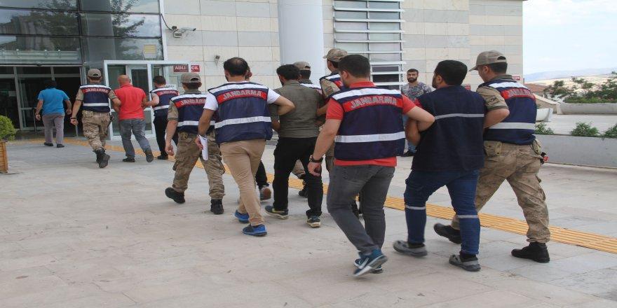 FETÖ ve PKK operasyonu: 4 gözaltı