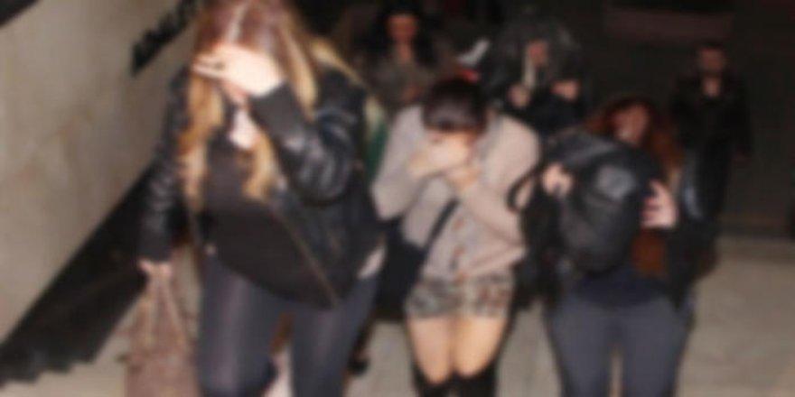Travesti fuhşuna polis baskını