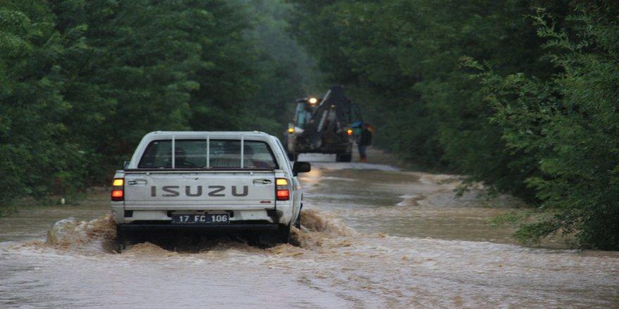 Çanakkale Çan'da yaşanan sel felaketinden sonra çalışmalar başladı