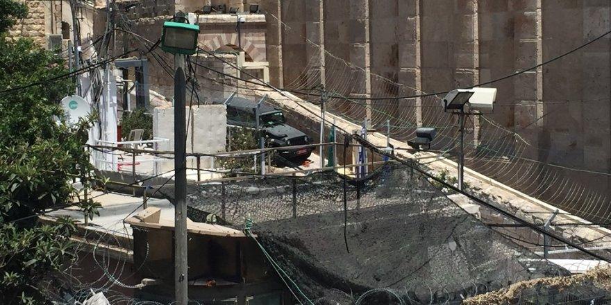 İsrail, El Halil Camisine karakol kurdu