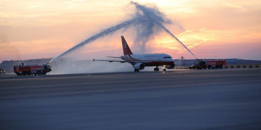 Erdoğan'ın uçağı 3. havalimanına indi