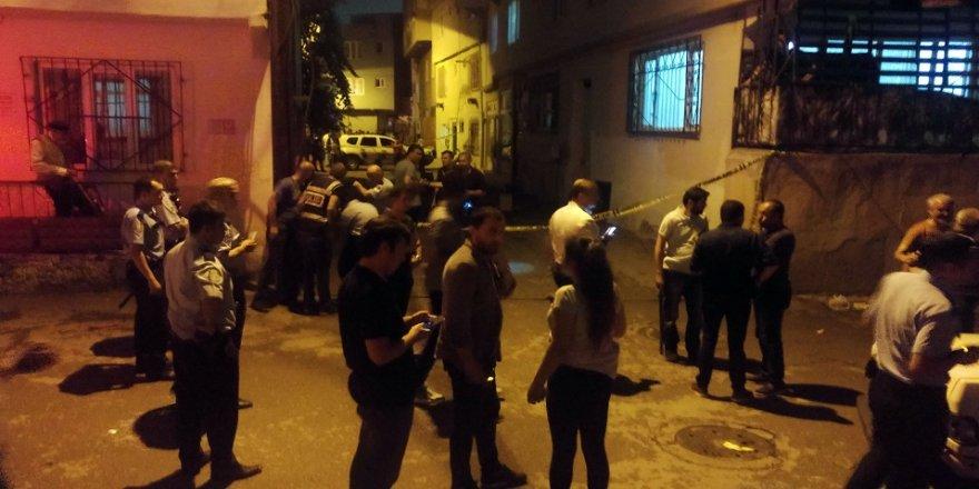 Uyuşturucu tacirleri mahalleliye ateş açtı