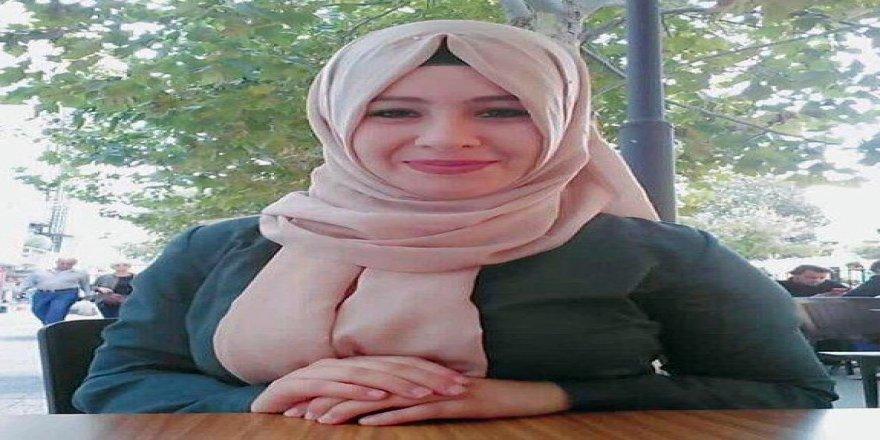 Trenin çarptığı genç kız yaşam savaşını kaybetti