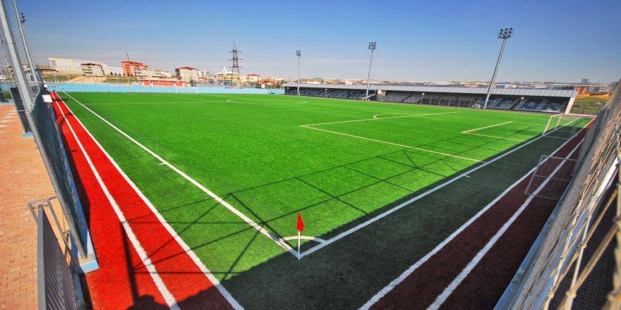 Spor sahalarının zemini iyileştiriliyor