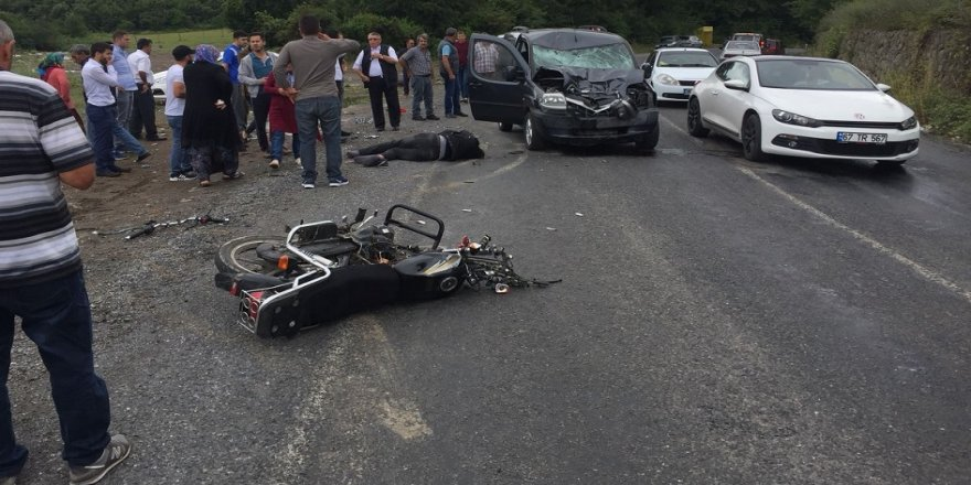 Motosiklet kamyonetle çarpıştı: 2 yaralı
