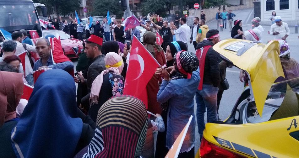 Vatandaşlar, Kısıklı'ya akın etmeye başladı