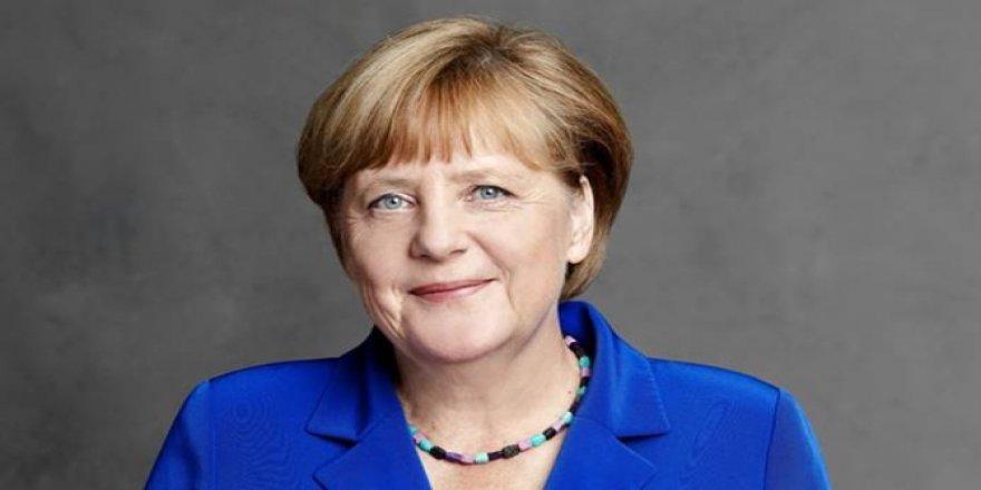 Merkel'den Cumhurbaşkanı Erdoğan'a tebrik