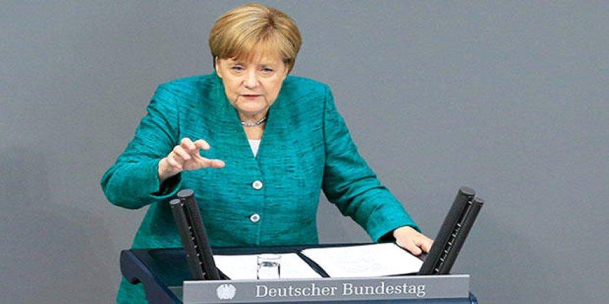 Merkel: Türkiye'ye sözümüzü tutalım