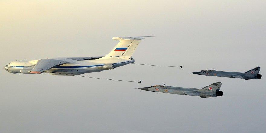 Rus uçakları Karadeniz üzerinde 2 bin 200 saat uçtu
