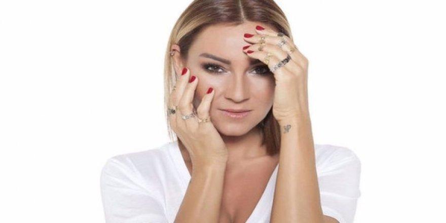 Pınar Altuğ'un paylaşımına kızdıran yorum