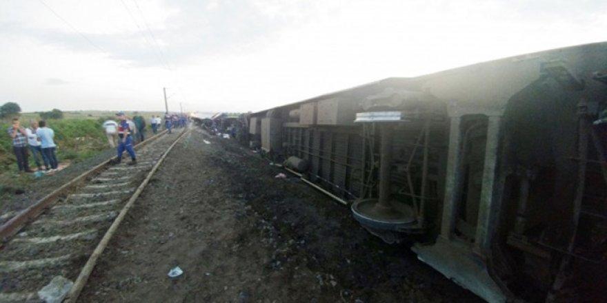 Tren faciasında ölü sayısı 25'e yükseldi