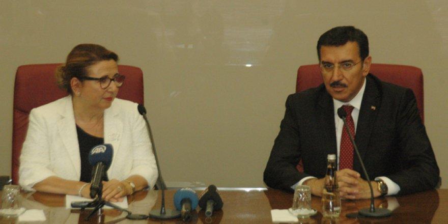 Ticaret Bakanı Ruhsar Pekcan görevi devraldı