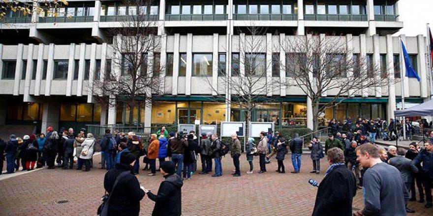 Mahkeme önünde 'Kuyruk' skandalı