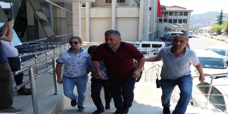 Yaşlı kadını dolandırmak isterken yakalanan 1 kişi tutuklandı