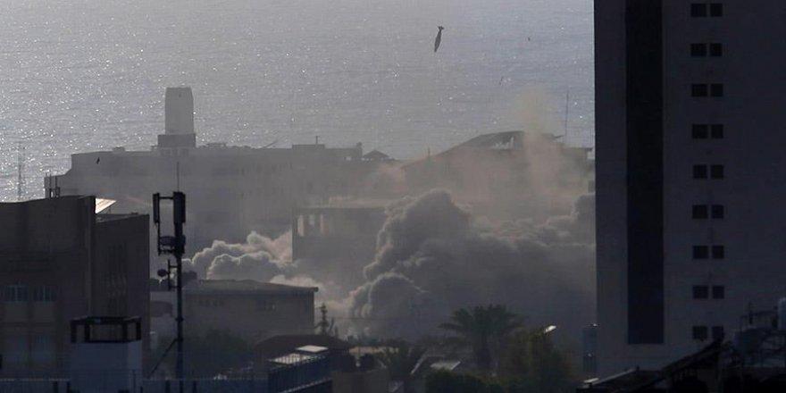 """İsrail'in hava saldırısı """"Gazze'deki Sanat Köyü'nü"""" vurdu"""