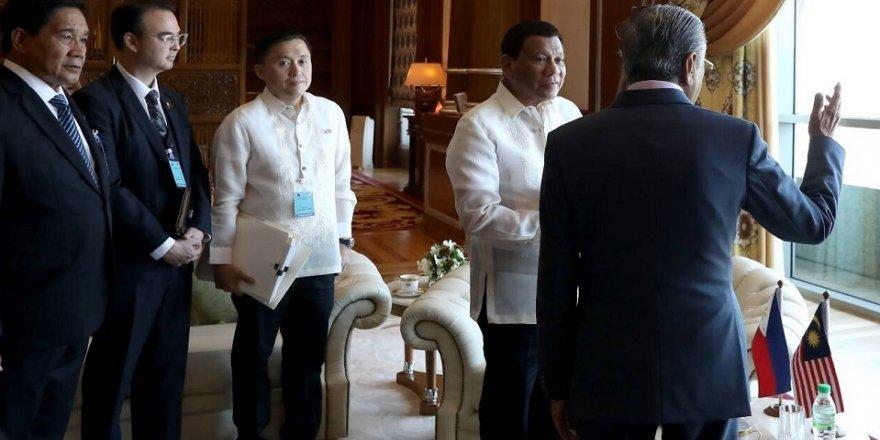 Duterte, Malezya Başbakanı ile görüştü