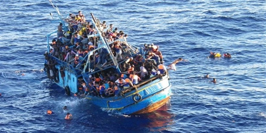 158 kaçak göçmen boğulmaktan kurtarıldı