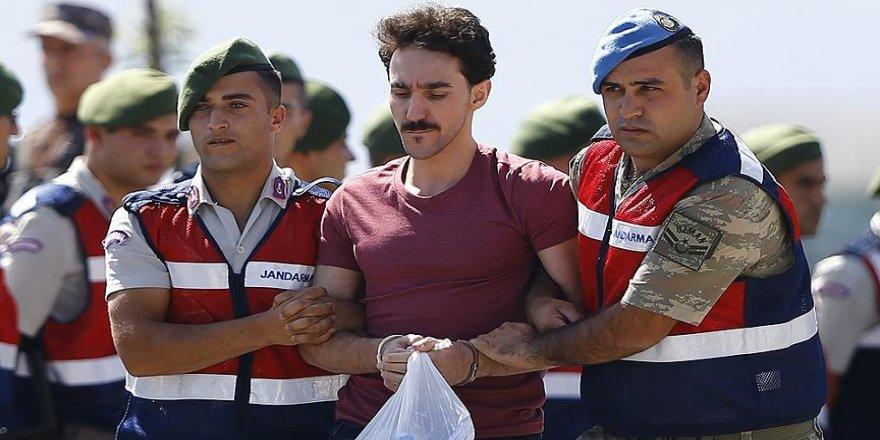 Suikast timi hükümlüsüne 'hero tişörtü' davası