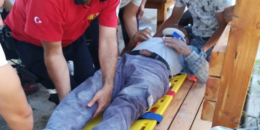İnşaat iskelesi çöktü: 2 yaralı