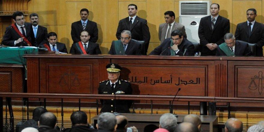 'Darbe karşıtı' 18 kişiye hapis