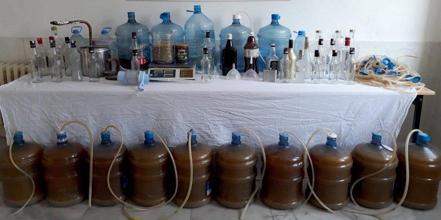 220 litre el yapımı alkol ele geçirildi