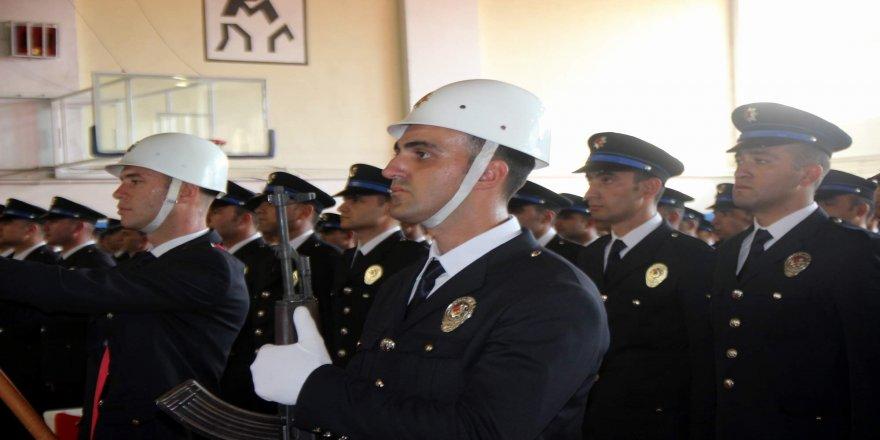 Yeni polis adayları yemin etti