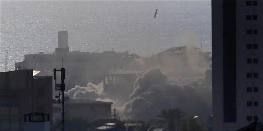 İsrail'den Gazze'ye hava saldırısı: 1 şehit, 3 yaralı