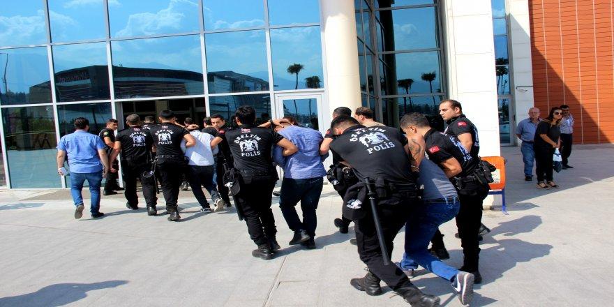 Suç örgütüne operasyon: 5 tutuklama
