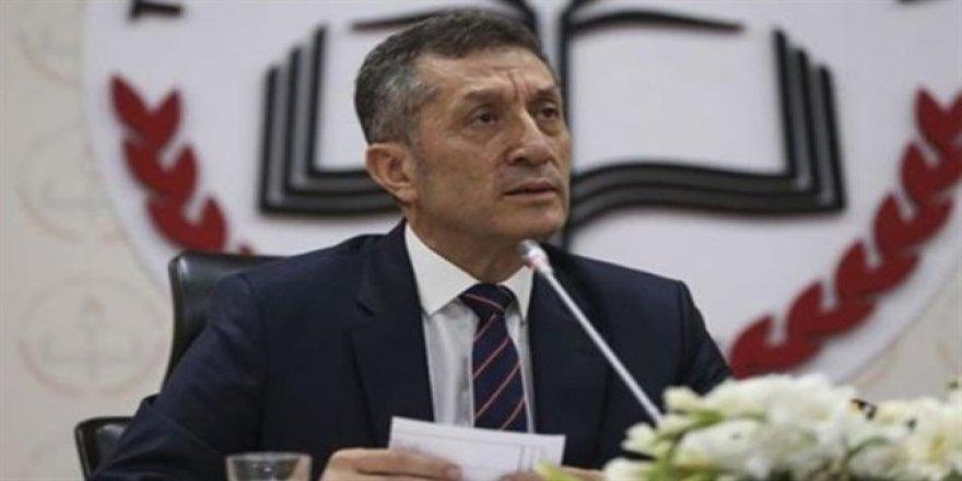 Milli Eğitim Bakanı Selçuk açıklama yapıyor
