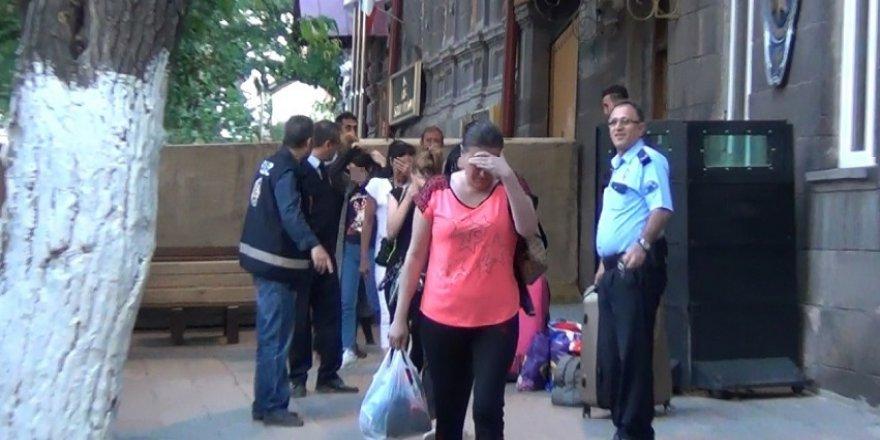 31 yabancı uyruklu kadın sınır dışı edildi
