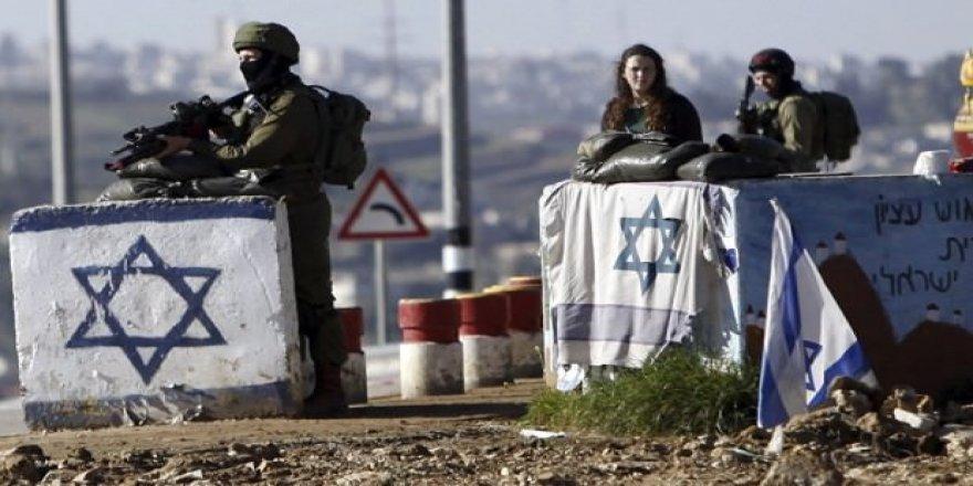 İsrail askerleri Filistinli 2 gazeteciyi yaraladı