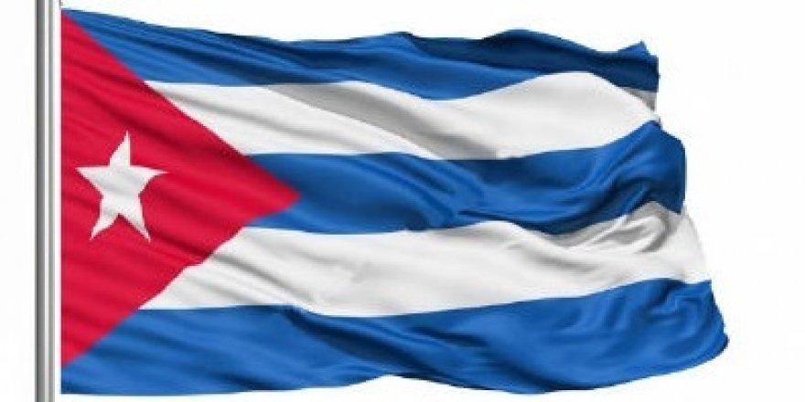 Komünizm Küba anayasasından çıkıyor
