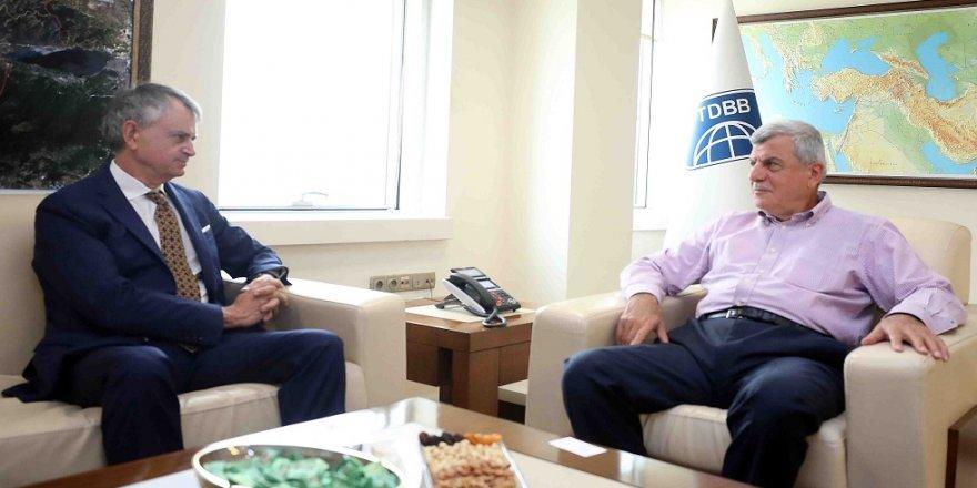 Karaosmanoğlu Kanada Büyükelçisi'ni ağırladı