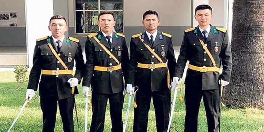TSK'da bir ilk: 4 Kırgız Türk subay oldu