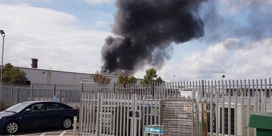 İngiltere'de korkutan yangın