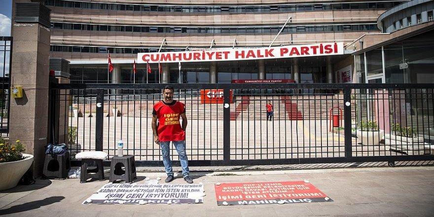 CHP önünde 'işimi istiyorum' eylemi