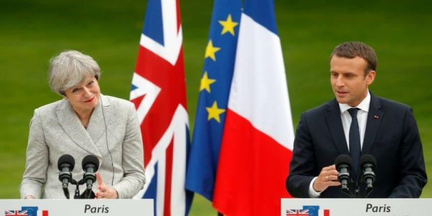 May, Macron'la Brexit'i görüşecek