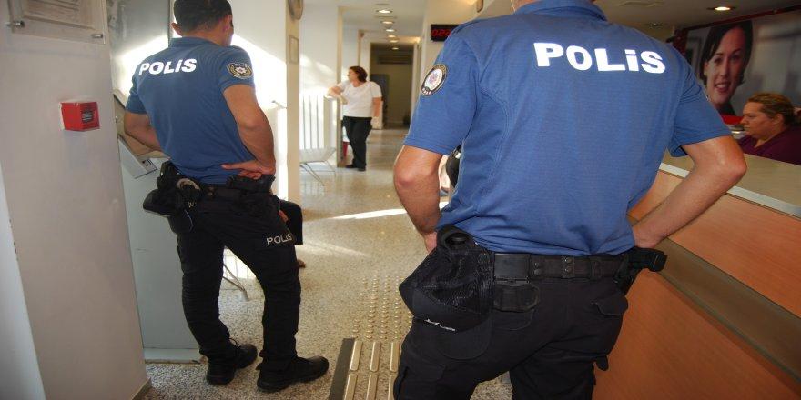 Telefon dolandırıcısına polis engeli